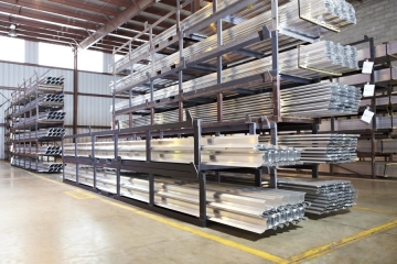 The advantages of industrial metal shelving