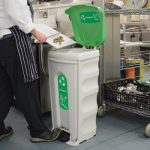 How-to-avoid-health-safety-issues-when-using-waste-bins