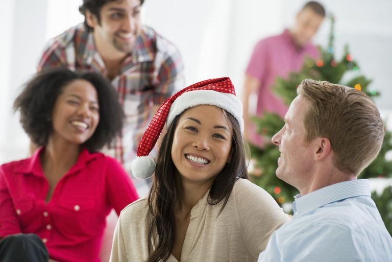 Tricks to organise the best Christmas party for your employees