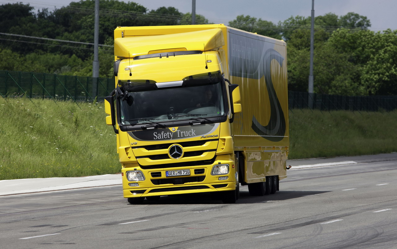 Mercedes-Benz Actros Safety Truck